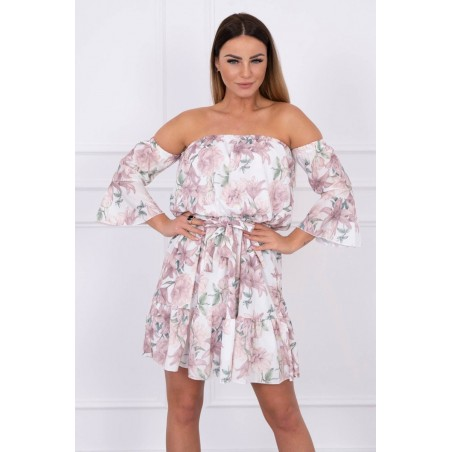 Béžové šaty s kvetinovým motívom