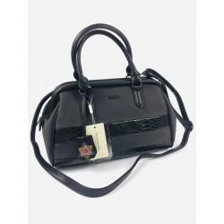 Čierna luxusná kabelka...